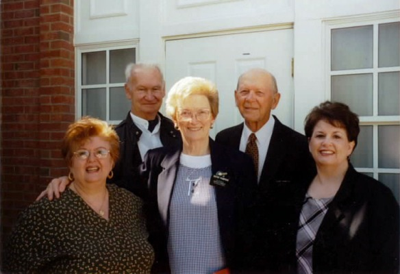 Grandpa, Momma and Aunt Gloria with the Thompsons in Nauvoo